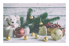 345/365: Ted gets ready for Christmas (judi may) Tags: 365the2018edition 3652018 day345365 11dec18 teddy ted teddybear christmas baubles christmasdecorations red gold green stilllife tabletopphotography matte soft softness canon5d 50mm lace