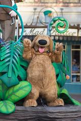 Pixar Play Parade (jodykatin) Tags: pixarplayparade disneyland 2018 dug