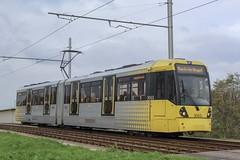 Manchester Metrolink 3063 (Mike McNiven) Tags: manchester metrolink tram metro lightrail lrv manchesterairport airport wythenshawe benchill victoria marketstreet m56 motorway bridge