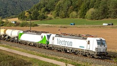 060_2018_09_26_Harrbach_6193_839_SIEAG_mit_6193_285_ELOC_SETG_und_Kesselwagenzug ➡️ Würzburg (ruhrpott.sprinter) Tags: ruhrpott sprinter deutschland germany allmangne nrw ruhrgebiet gelsenkirchen lokomotive locomotives eisenbahn railroad rail zug train reisezug passenger güter cargo freight fret bayern maintal atlu bb byb db dispo eloc evb hctor lm öbb rpool sbbcargointernational siag slg sncb stock 0185 0425 0445 0620 1016 1116 1214 1428 1440 242 3202 6152 6182 6185 6186 6187 6189 6193 711 7186 es64u2 es64f4 logo natur outddor harrbach