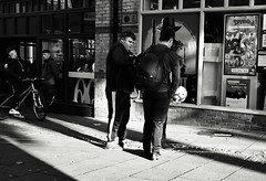 If the Hat Fits Wear It (Bury Gardener) Tags: bw blackandwhite monochrome mono burystedmunds britain 2018 nikond7200 nikon england eastanglia people peoplewatching folks suffolk streetphotography street streetcandids snaps strangers candid candids cornhill
