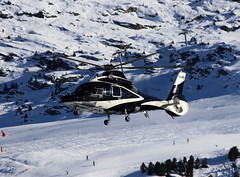 IMG_3973 (Tipps38) Tags: hélicoptère aviation photographie montagne alpes avion courchevel neige helicopter 2019 planespotting