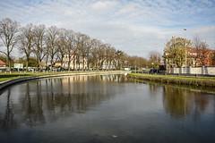 Sul fiume - On the river. (sinetempore) Tags: pavia naviglio canal acqua water riflesso reflection alberi trees nuvole clouds sulfiume ontheriver