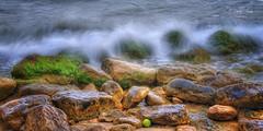 (013/19) Detalle en la Cala de la Almadraba (Pablo Arias) Tags: pabloarias photoshop ps capturendx españa photomatix nubes cielo roca piedra olas mar mediterráneo agua playa arena benidorm alicante