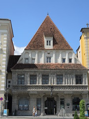 Bummerlhaus 233 (Andras Fulop) Tags: austria steyr nikon travel house haus building architecture town street people