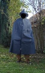 VinylCape-blue-2 (Umhaenge2010) Tags: cape umhang cloak pèlerine pelerin peleryna raincape capeimperméable regencape