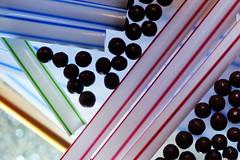 Pillules entre Traits de couleurs (Christian Chene Tahiti) Tags: canon 6d paea tahiti trait point boule paille rayure rayé blanc rouge bleu vert noir marron macro kokeh closeup dotsandstripes macromondays
