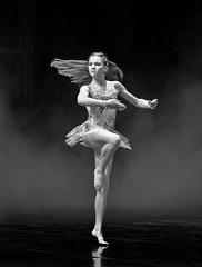Fouetté (Repp1) Tags: bc bellperformingartscentre canada essenceofdance surey dancer danseuer ballet foutté bw nb