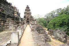 Angkor_Baphuon_2014_08