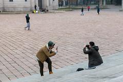 Mailand - Piazza Sempione (CocoChantre) Tags: mailand mensch tätigkeiten fotografieren provinzmailand italien it