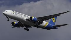 UR-GOB_JFK_Landing_31R (MAB757200) Tags: ukraineinternationalairlines b77728eer urgob aircraft airplane airlines airport jetliner jfk kjfk landing runway31r boeing