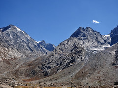 The glacial garland !! (Lopamudra !) Tags: lopamudra lopamudrabarman lopa landscape ladakh jk india glacier glacial moraine garland mountain mountains ridge peak peace peaks himalayas himalaya highaltitude highland colour color colours colourful cold zanskar suru suruvalley valley vale beauty beautiful picturesque