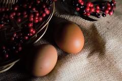 13 (Enriquehg2016) Tags: manzana reflejo luz bodegón huevo huevos cesta fruta apple reflection light stilllife egg eggs basket fruit