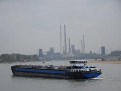 PILATOR (Oli-unterwegs) Tags: pilator tanker schiff ship wasser water rhein deutschland duisburg outdoor flus thyssenkrupp stahlwerk steel