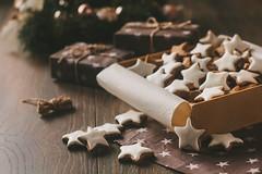 Christmas cinnamon stars (Inka56) Tags: stars flickrfriday cinnamonstars cookies christmas gifts closeup smileonsaturday wishuponastar throughherlens