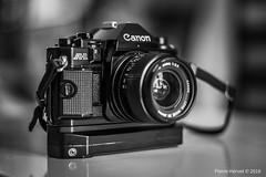 Canon A1 - Canon FD 24mm f : 2.8 (pierrehervet) Tags: canon a1 fd 24mm f28 argentique appareil photo rétro ancien 35mm bokeh noir et blanc black white bw nb nikkor 14 50mm nikon d3200
