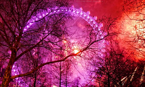 2019 London NYE - Pink ball of fireworks