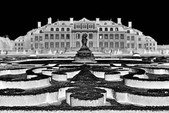 Schloss Nordkirchen and gardens, inverted black & white (wimjee) Tags: nikond7200 nikon d7200 afsdx18–55mmf35–5vrii schlossnordkirchen kasteel schloss paleis tuinen duitsland niksoftware silverefexpro2 gimp inverted zwartwit blackwhite monochrome
