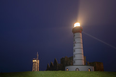 un feu au bout du Monde (Patrick Doreau) Tags: phare lighthouse pointesaintmatthieu plougonvelin finistère nuit night lumières brittany bretagne lights
