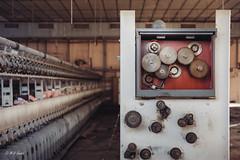 Je ne suis plus celle que tu as connu (M-Vi) Tags: d700 urbex decay abandonned usine textile rouages machine 2019