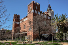 Castle of three dragons. Barcelona, Spain (varfolomeev) Tags: 2018 испания город улица spain city street fujifilmxt10