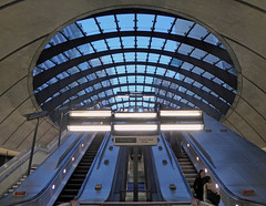 Station (Cydracor) Tags: architecture architektur normanfoster jubileeline grosbritannien panasonictz71 lumixtz71 london panasonic lumix cydracor tz71 underground tube uk england gb