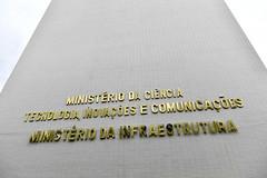 Fotos produzidas pelo Senado (Senado Federal) Tags: bie fachada prédio governofederal letreiro esplanadadosministérios ministériodainfraestrutura ministériodaciência tecnologia inovaçõesecomunicações mctic identificação brasília df brasil bra