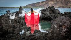 WOMEN'S WAVE (OneLifeOnEarth) Tags: onelifeonearth island hawaii bigisland kona kealakekua kealakekuabay water lava rock wave woman womenswave red pm poetry nikon d850