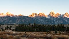 Let There Be Light ((JAndersen)) Tags: sunrise sun tetons grandteton grandtetonnationalpark wyoming usa morning mountains landscape nikon nikkor2470mmf28ged d810