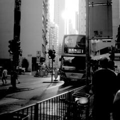 香港 (Gonie) Tags: bw nikon f6 city hongkong people instagram fomapan 100