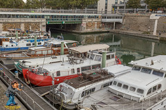 Bassin de l'Arsenal (captgerryhare) Tags: arsenal arsenalportharbor attractions barge beauty dockedbargeship embankment europe float french leisure parisianromanticlifestyle touristattractions travel vacation water paris îledefrance france fr