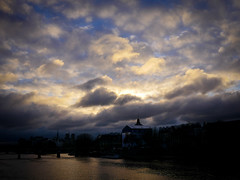 Morning mood (Calinore) Tags: france paris city ville seine fleuve river sky cloud nuages institutdefrance morning matin
