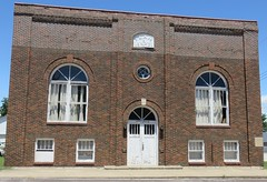 Masonic Lodge (Perry, Illinois) (courthouselover) Tags: illinois il masonicbuildings pikecounty perry northamerica unitedstates us