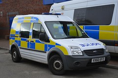 VX60 KFZ (S11 AUN) Tags: staffordshire staffs police ford transit connect cell cage station response containment van irv incident vehicle driver training unit area car 999 emergency vx60kfz