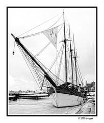 wooden saling boat (harrypwt) Tags: harrypwt borders framed bw monochrome boat helsinki coastal wooden city e520 1454