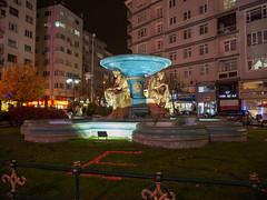 Kanatlı Square, Eskişehir, Turkey [1506] (my.travels) Tags: kanatlı eskişehir turkey eskisehir city street night nightphotography fountain statue olympus penf türkiye tepebaåÿä± eskiåÿehir tepebaşı tr