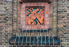 20181226-DSC01469 Amsterdam, Netherlands (R H Kamen) Tags: 19101919 gelderland holland netherlands otterlo wallbuildingfeature amsterdamschool architecture artdeco artnouveau brick buildingexterior day expressionism facade outdoor outdoors rhkamen