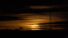Sunset / @ 300 mm / 2018-12-27 (astrofreak81) Tags: clouds shadow schatten sunset sun wolken sonnenuntergang sonne sky himmel heaven light dawn orangesky orange dresden 20181227 astrofreak81 sylviomüller sylvio müller