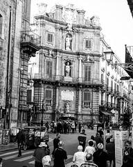 Palermo - 09/11/18 (Giulio Marguglio) Tags: people persone gente tuorist turisti turismo myphoto canon750d canon sicily sicilia blackandwhite biancoenero palermo