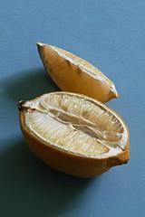 Old Lemon (Uwe von Loh) Tags: stilllife stillleben still naturemorte sigma sdquattroh 70mm art macro foveon lemon food kitchen