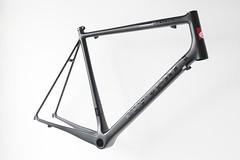 Konstructive.de-Bike-Painter-Berlin-Original-Paint-Job-Repair-Cervelo-Carbon-Bike-Lackierung
