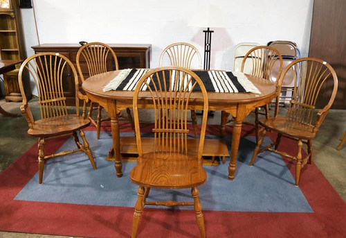 Oak Table with 6 chairs and 2 leaves ($403.20)