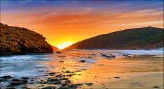 La porta sull'estate (Gio_guarda_le_stelle) Tags: seascape california sunset afterglow sea water bigsur pacific westcoast i 4x4 landscape
