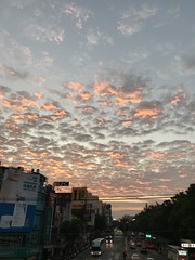 sunrise in the morning (光輝蘇) Tags: 清華大學28 morning red street sky kk