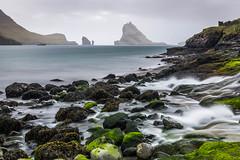 Plage de Bøur - Faroe Islands ( fabienne fauré) Tags: faroe islands faroeislands bøur tindhólmur vágar ilesféroé ile mer sea rocher roc poselongue longexposure nisi nisifilters filtresnisi canon eos 5d mark iii ef2470mm