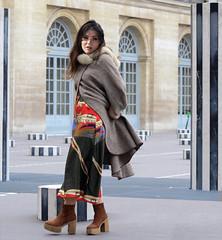 'Have you seen what a beautiful dress I have under my coat ?' (pivapao's citylife flavors) Tags: paris france girl beauties louvre architecture