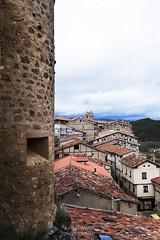 SITIOS DE BURGOS (jramosvarela) Tags: antiguo pueblo frias 2016 burgos tejado old roof village