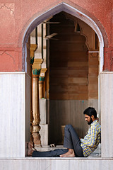 Fatehpuri Masjid (daniel virella) Tags: olddelhi पुरानीदिल्ली fatehpurimajid man mosque window religion shahjahanabad puranidilli शाहजहानाबाद delhi दिल्ली india bharat islam اسلام