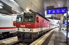 LAH_0259 (Hans-Peter Kurz) Tags: railway railroad reisen railscape eisenbahn zug train transport austria österreich outdoor wien hbf hauptbahnhof bahnhof haltestelle hauptstadt city stadt öbb österreichische bundesbahnen d dzug schnellzug br1144 südbahn kbs500 kbs510 kärnten