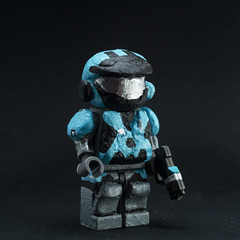 #41 Kat (MCFigures) Tags: customlego legohalo legominifigures haloreach lego custom minifig minifigures customfigs spartan halo reach nobleteam noble team kat commander b320 followme like4like follow4follow